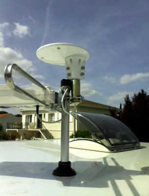 L 39 antenne satellite par campingcar bricoloisirs - Comment installer une antenne tv exterieure ...