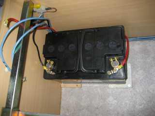 coupleur manuel de batteries par campingcar bricoloisirs. Black Bedroom Furniture Sets. Home Design Ideas